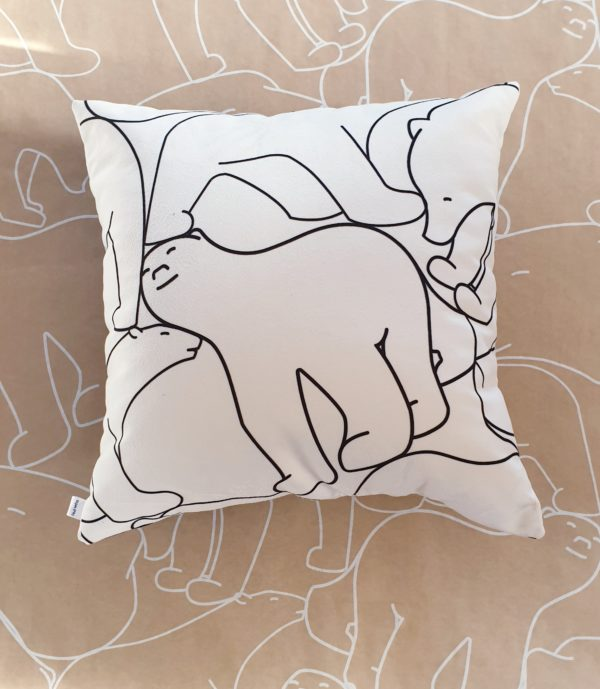 coussin ours pompon