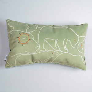 coussin-ours-brode-kaki-rectangulaire-1