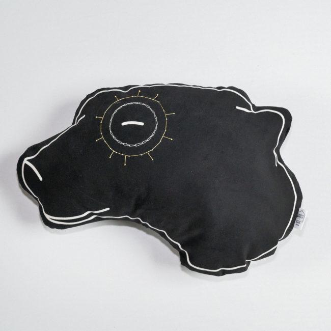 coussin-tete-brode-noir
